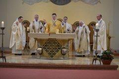 4-die-priester-am-altar-DSC_0245.jpg