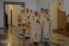 1-einzug-der-priester-DSC_0068.jpg