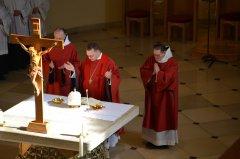 9-der-gekreuzigte-am-altar-DSC_0136.jpg